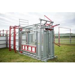 2W Livestock Equipment- Squeeze Chute
